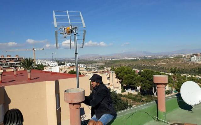 Telekar Antenista Alicante, instalacion antena Gran Alacant