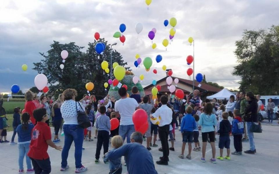 UD_Santa Maria La Longa_Girotondo di Colori foto palloncini