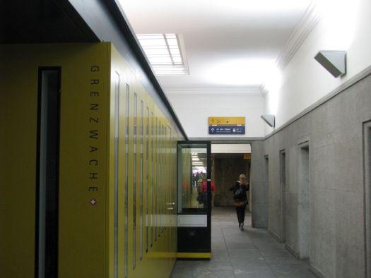 basel-border control-train station