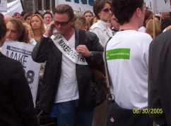 This guy at a G8 protest fooled a number of people into thinking he was Bono.