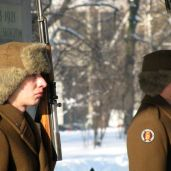 Soldiers guard the tomb of the unknown soldier in Warsaw.