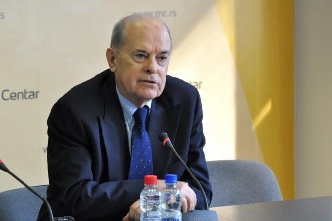 Saša Janković je optužio Vladislava Jovanovića da 1997. godine nije odobrio njegovo imenovanje na visoku poziciju u okviru MIP-a iako je Jovanoviću funkcija prestala 15. septembra 1995. godine. Sličnom manipulacijom datumima Janković se poslužio kada je ustvrdio da je bio mobilisan i poslat na ratište mesec dana pre nego što je rat uopšte i izbio.
