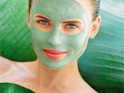 Avocado honey face mask acne