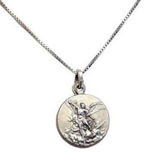 Medalla San Miguel Arcángel. Amuletos poderosos de protección. Antía Tarot.