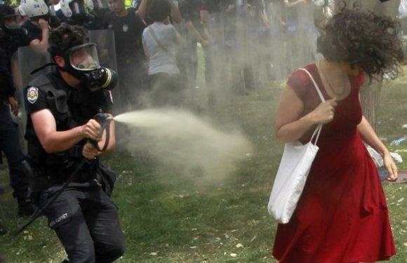 Η Μπουλντόζα στην Πλατεία Ταξίμ Ξύπνησε το Βαθύ Πολιτιστικό «Σεισμικό Ρήγμα» στο Εσωτερικό της Τουρκίας