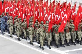 tourkios militarismos