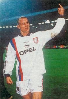 Carsten Jancker and his middle finger