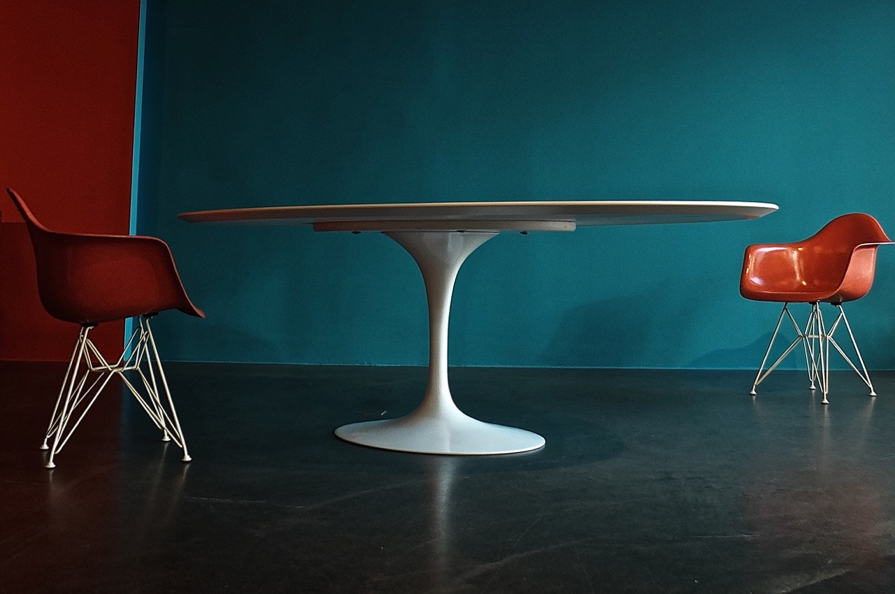 oval pedestal dining table tulip