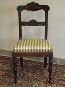 Una di 6 sedie in noce massello, Direttorio