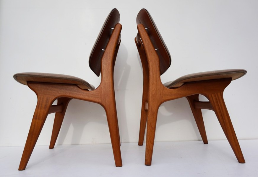 Vintage Mid century set of 2 dining chairs was designed by Arne     Arne Hovmand Olsen  vintage  stoelen  Deens  design  chairs