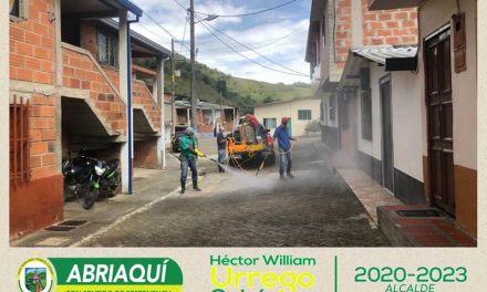 Desinfección en las calles de Abriaquí