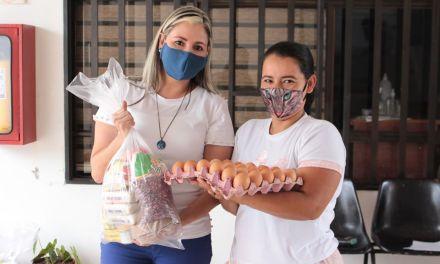 Entrega de kits alimentarios en Yalí
