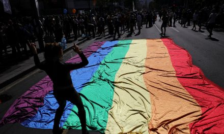 """""""Con orgullo y sin prejuicios"""""""