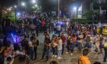 Altas aglomeraciones para ver los alumbrados en Parques del Río