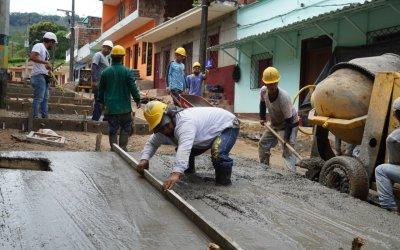 Mejoramiento de vías en Caracolí