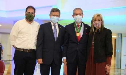 Gobernación de Antioquia exaltó al director del Hospital Pablo Tobón Uribe