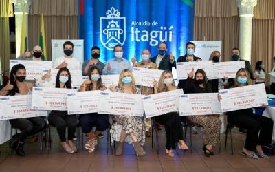 2 mil millones de pesos a ganadores del Fondo Emprender en Itagüí