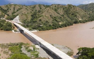 Avance del 81% en construcción del puente sobre el Río Cauca