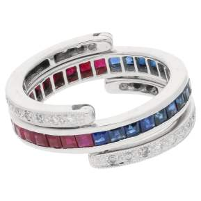 An example of Art Deco inspired jewellery