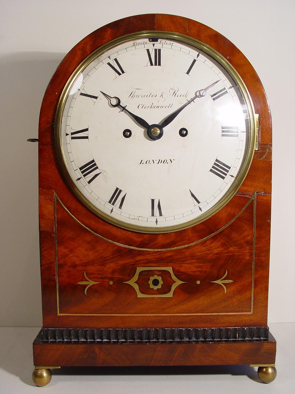 1bracket Clock
