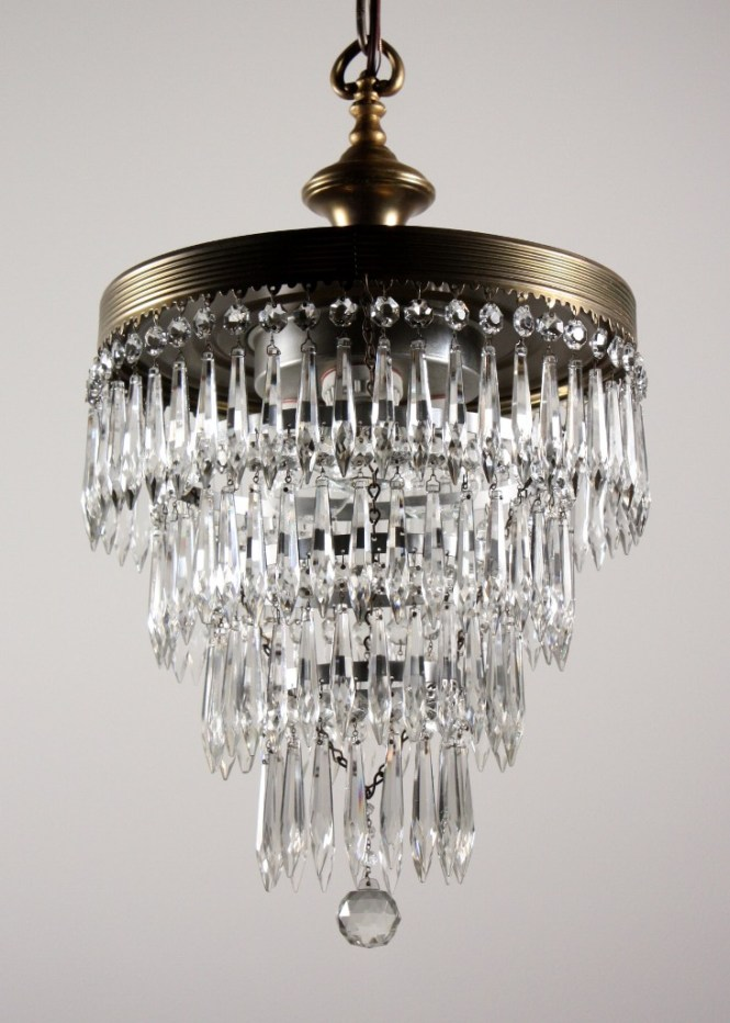 This Is A Wonderful Antique Four Tiered Chandelier Dating From The 1920 S Three Light Wedding Cake Begins With Loop Finial Atop
