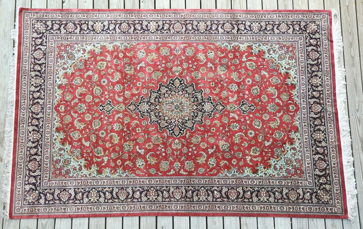 5897706 Red Ground Blue Bordered Silk Rug