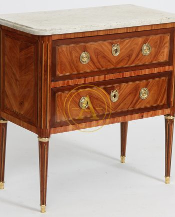 PETITE COMMODE MARQUETEE LOUIS XVI