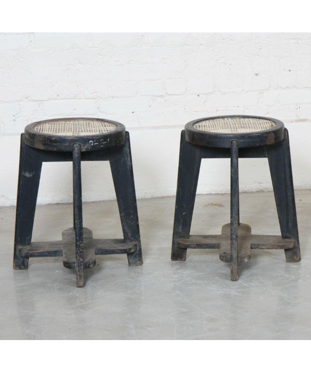 Ensemble de deux tabourets de Pierre Jeanneret (1896-1967)