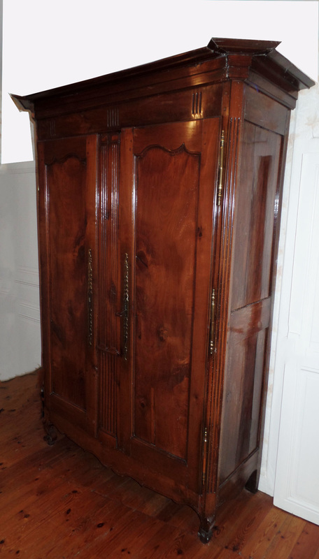 armoire ancienne style louis xv en merisier xixe siecle tres bon etat profondeur 55 cm hauteur 216 cm largeur 129 cm prix 250