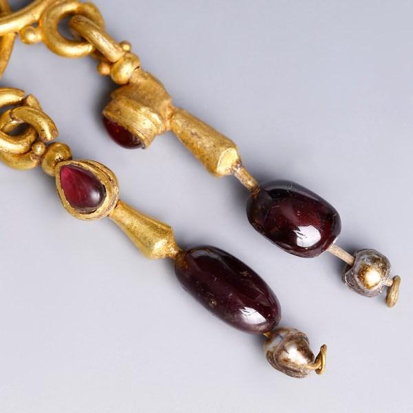 Roman Gold Pendant Earrings with Garnets