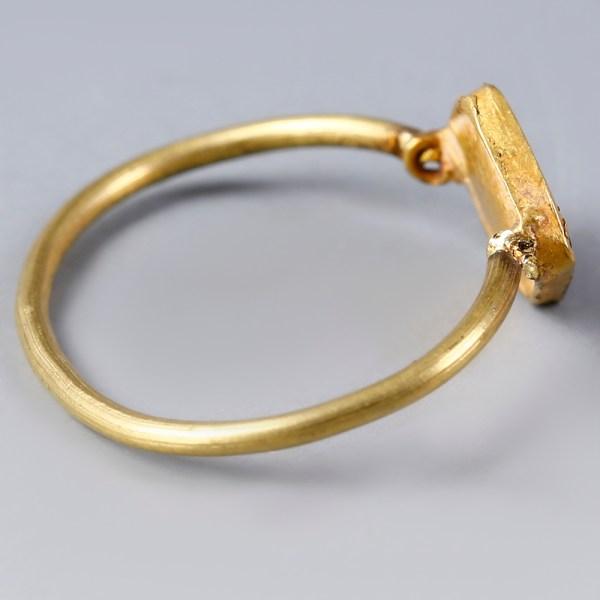 Ancient Roman Gold Ring with Translucent Garnet Stone