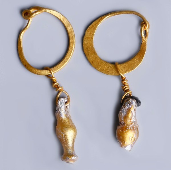 Roman Gold Earrings with Glass Juglets