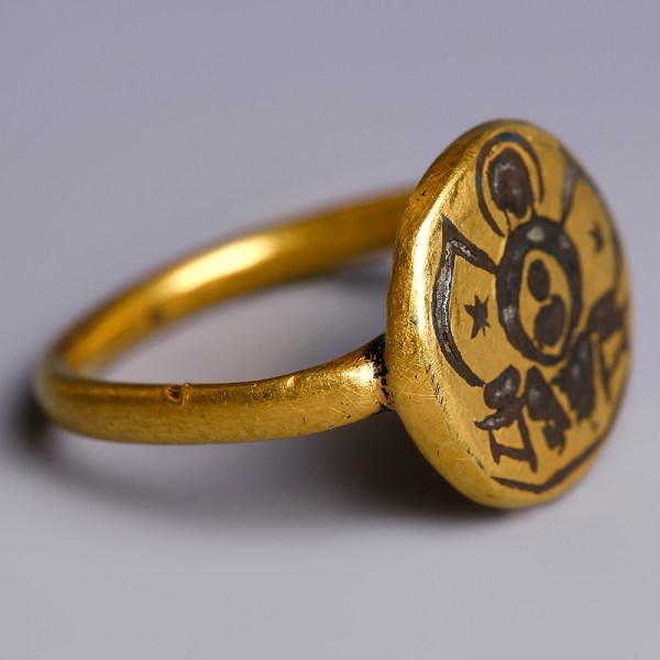 Byzantine Gold Ring with Mary and Jesus