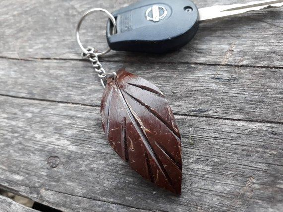 gantungan kunci tempurung kelapa
