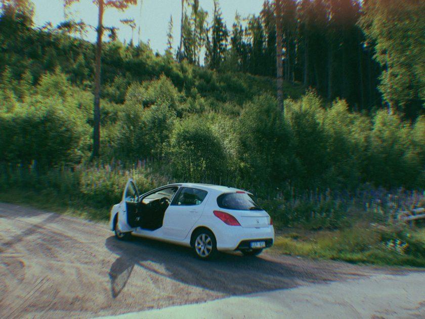 När minnena värker – en roadtrip genom ett dödligt vackert Sverige och spåren det lämnar