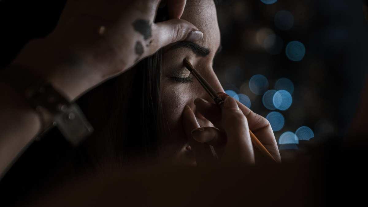 Portrait de la mariée maekup préparatifs mariage photographe mariage brest