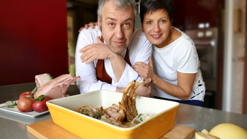 Giovanni Mariconda e Antonietta Polcaro preparano la maialata