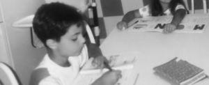 Antonio Coletta mentre prepara l'esame di quinta elementare