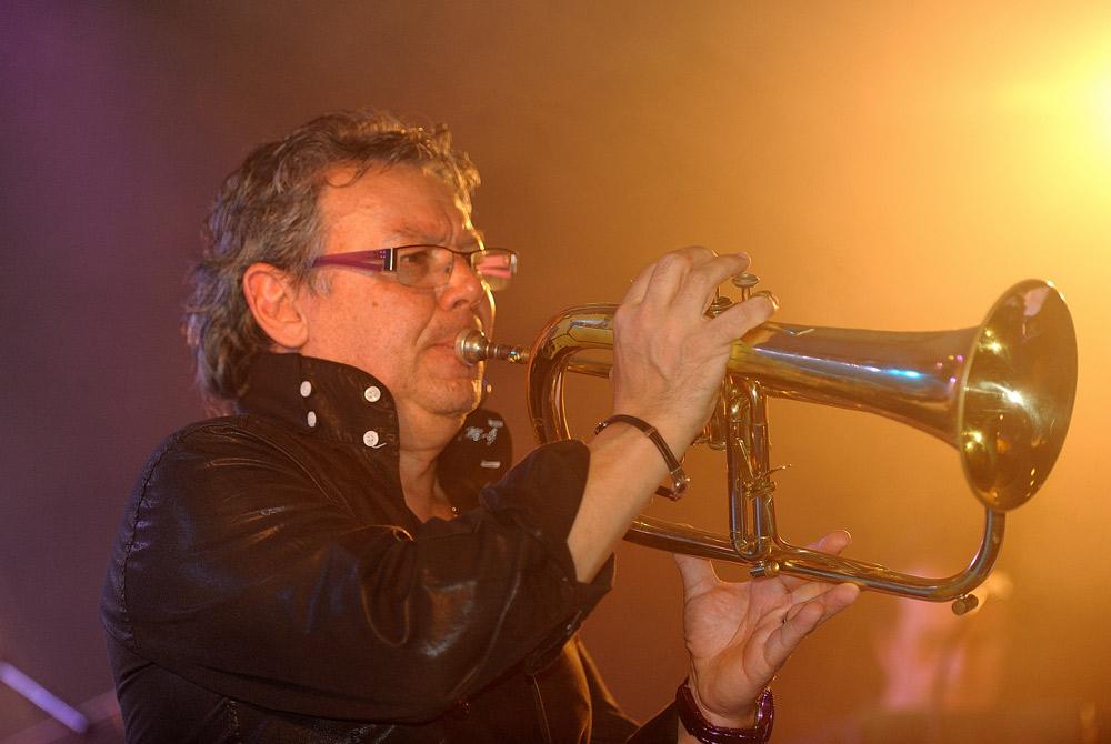 Anton Roman, trompettiste, Orchestre de variétés