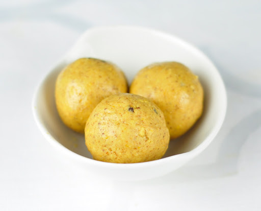 BESAN LADOO RECIPE – INDIAN SWEET IN 17 MINUTES