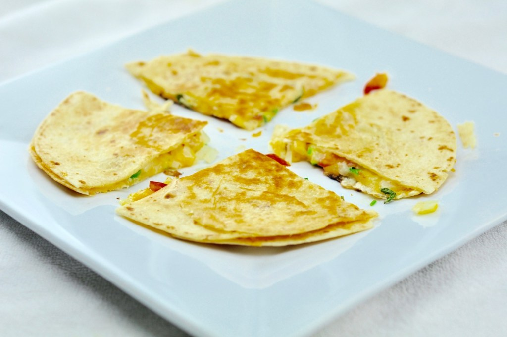 EASY CHEESE QUESADILLA – A HEALTHY SNACKS IN 10 MINS
