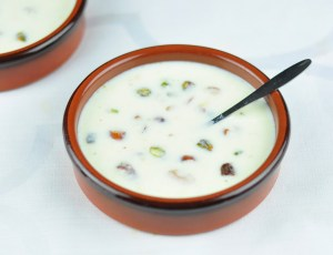 BASUNDI – EASY MILK SWEET WITH NUTS