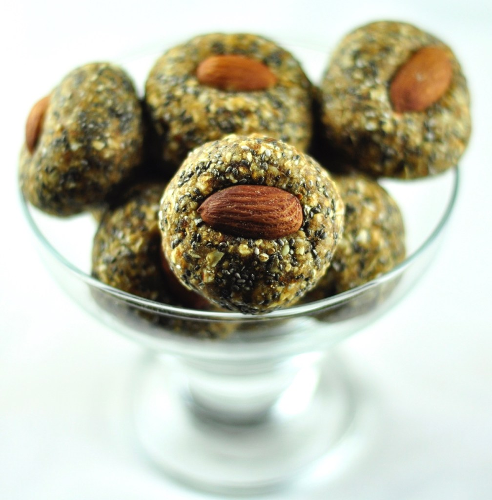 Dry Fruit Ladoo with Oats and Chia Seeds