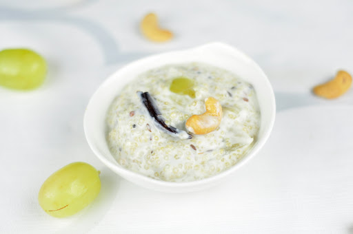 QUINOA YOGURT RICE WITH GRAPES AND CASHEWNUTS