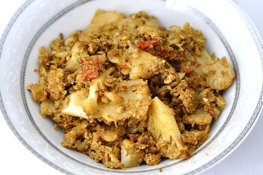 cauliflower egg masala