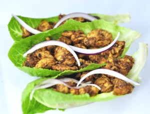 CHICKEN LETTUCE WRAPS – A LOW-CARB DINNER RECIPE IN 25 MINUTES.