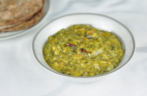 spinach moong dal
