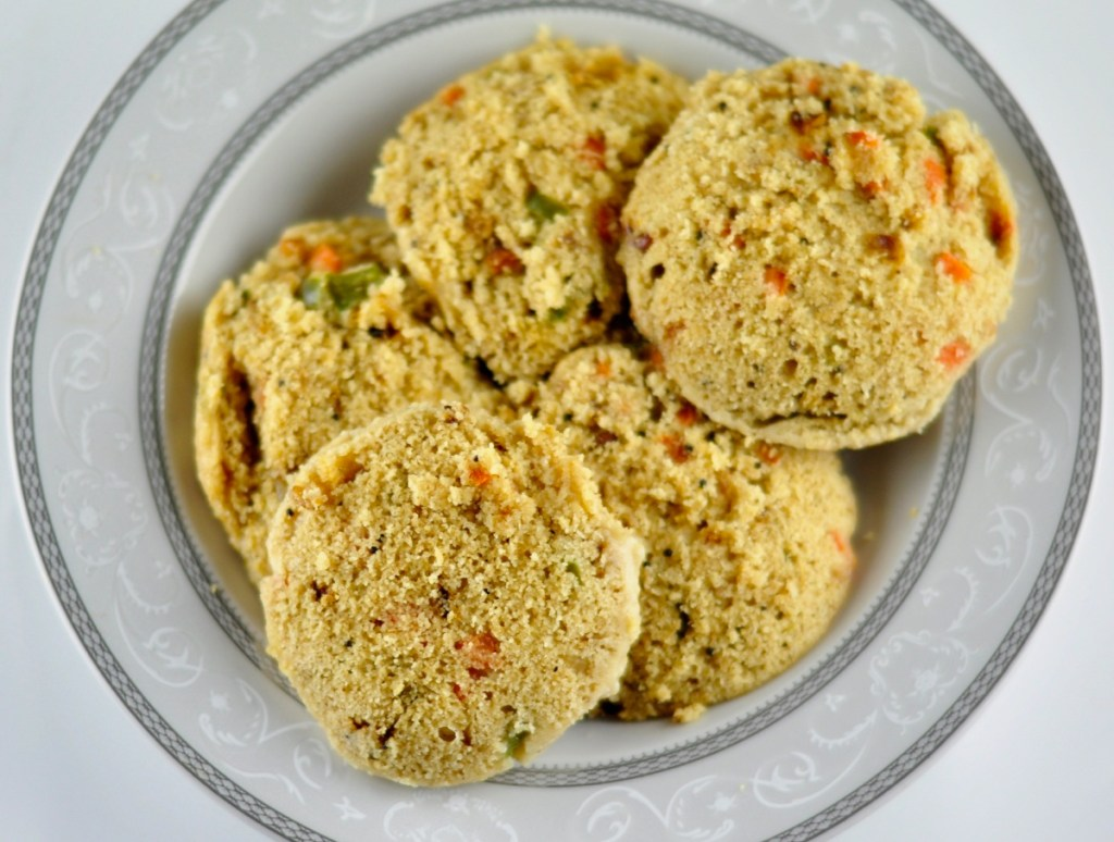Instant Oats Idli with Vegetables
