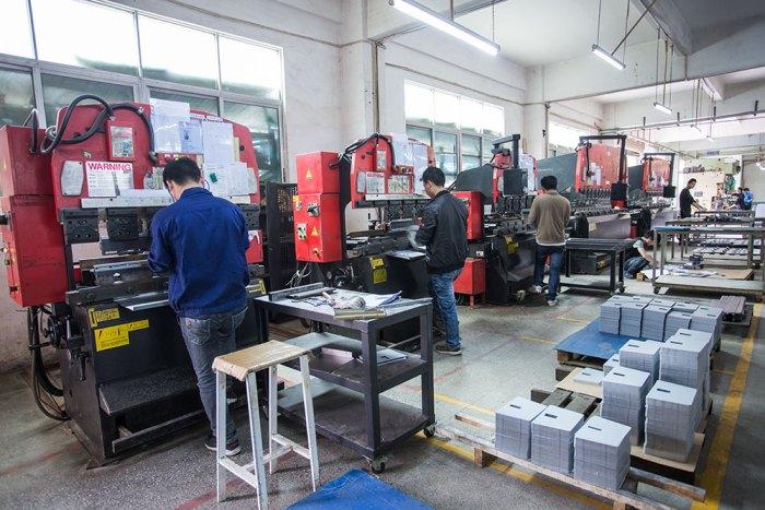 AMADA RG-100 – CNC 折弯机