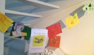 Gebedsvlaggen worden wensvlaggen gemaakt door kinderen